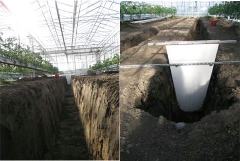 Foto 1 en 2: Sleuven werden gegraven om de viskweekbakken te plaatsen