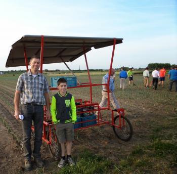 De plant- en oogstkar 'Caddy' van Thierry en Victor Beaucarne